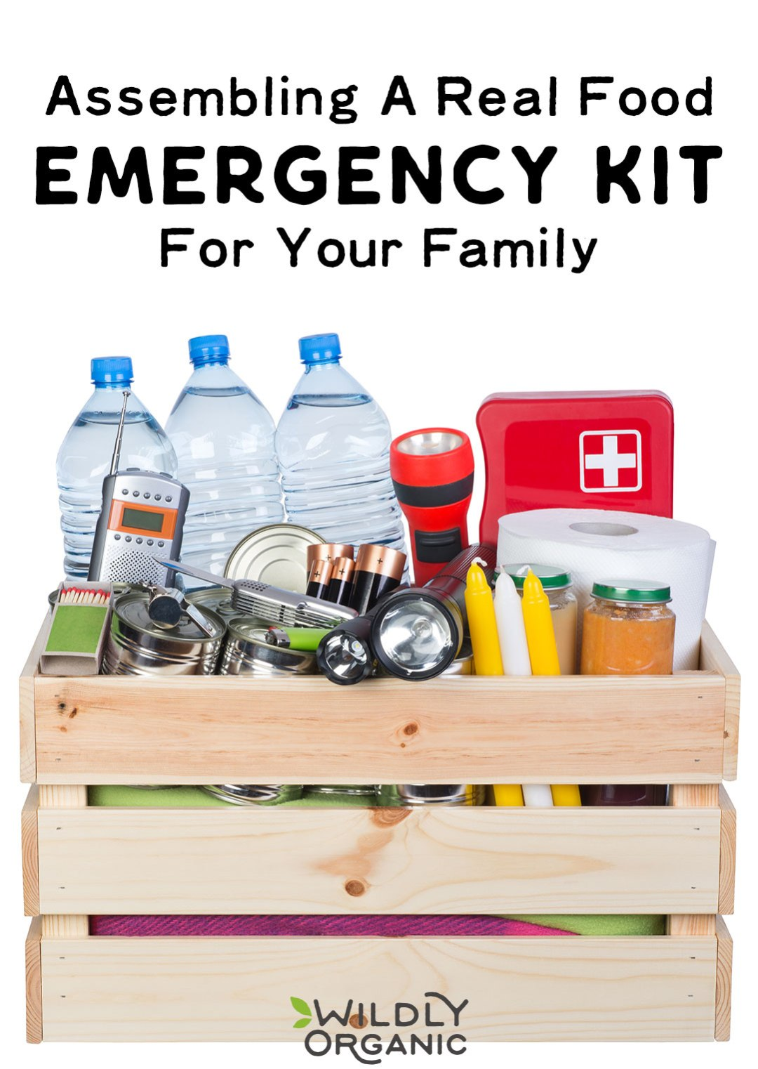 If a disaster were to strike, would you be able to survive the next 72 hours without power, water, and other essentials? Most of us wouldn't be able to. Thankfully, it's fairly easy and inexpensive to put together a real food emergency kit. Learn how to assemble a real food emergency kit for your family to survive 72 hours or more. #emergencykit #realfood