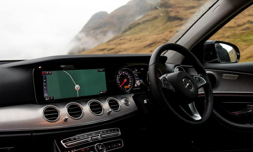 Tableau de bord d'une Mercedes