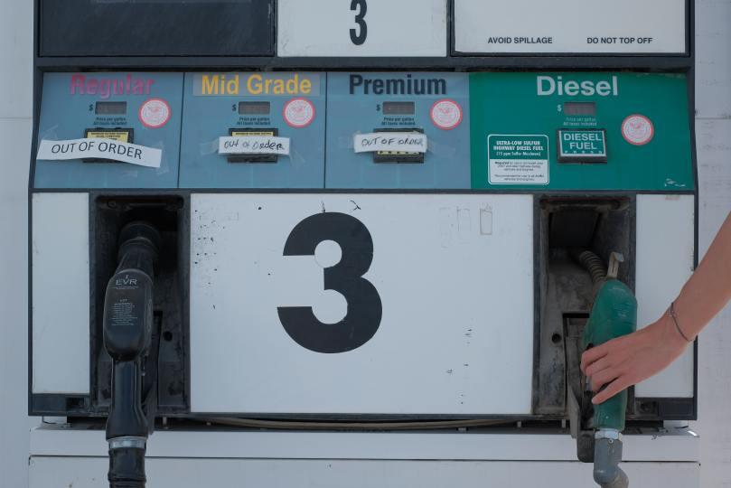 pompe à essence diesel et essence super sans plomb