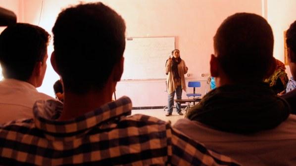 Nahla Mohaker entrena durante un taller.
