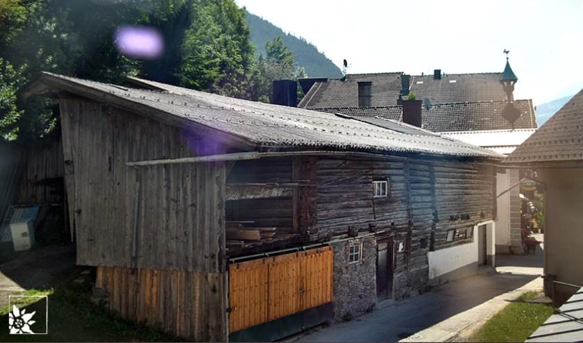 steiner-hinter-der-fabrik
