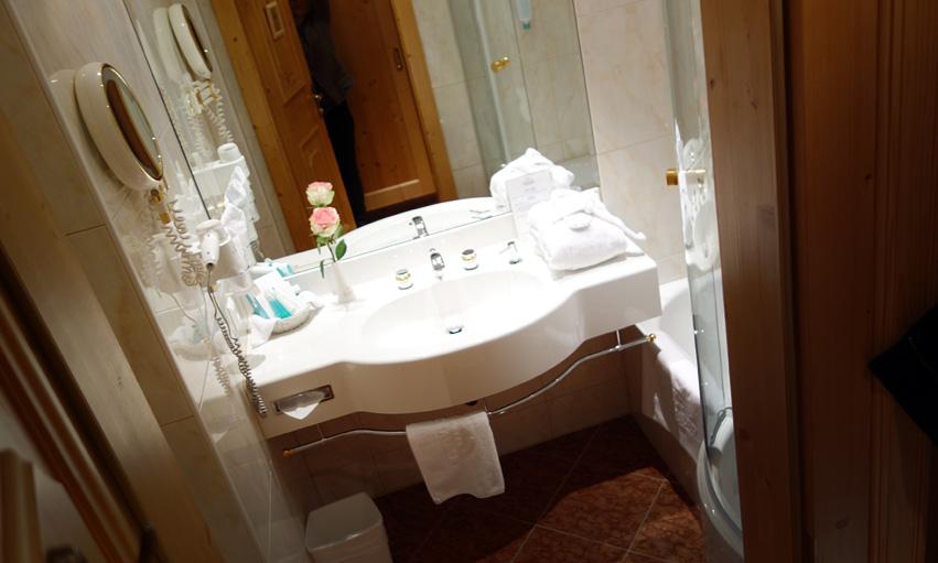 Badezimmer Hotel Schalber