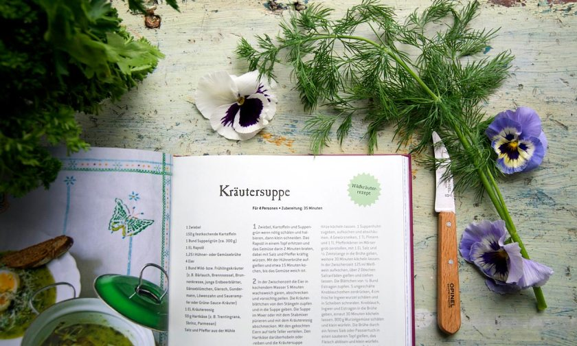 rezept-kraeutersuppe-alpenkueche