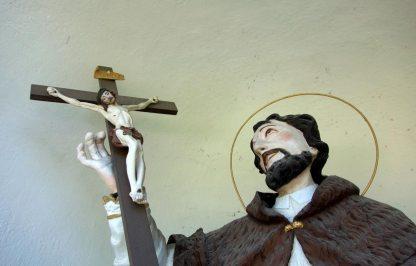 Heiligenstatue vor dem Hochbrunnerhof