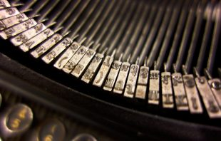 schreibmaschinenlettern