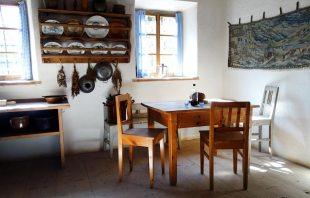 salzburger-freilichtmuseum-kuechentisch