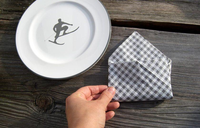 serviette-kuvert-fast-fertig