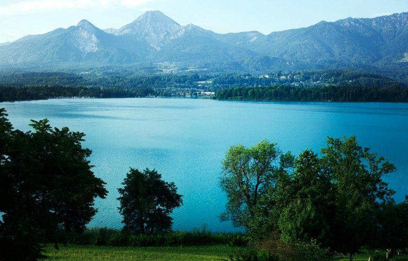 Blick Faaker See und Karawanken