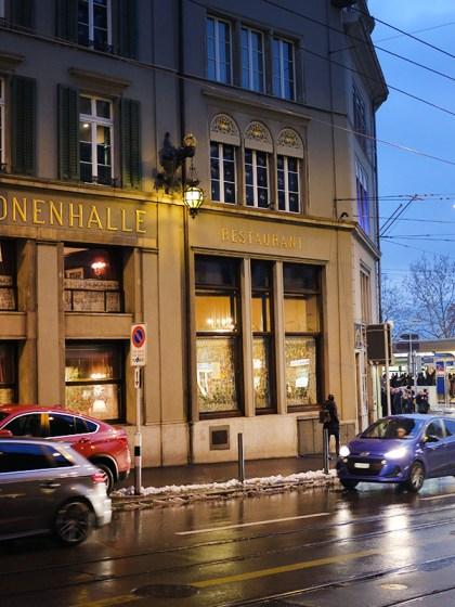 Kronenhalle Zürich bei Nacht