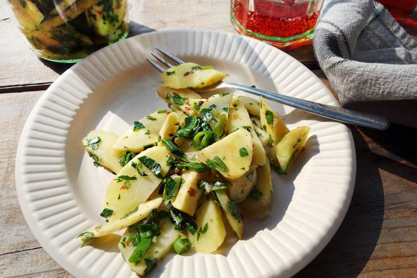 Pastinaken-Salat mit Lauch und Kräutern - Haus Hirt-Style