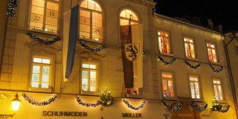 Aus dem Rathaus ertönen Weihnachtslieder noch bis 24.12.
