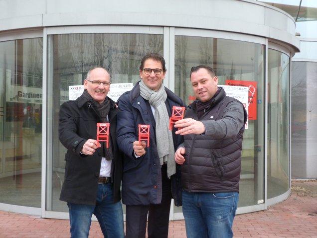 XXXLutz Unternehmenssprecher Volker Michels, Hausleiter Günther Rindt und Projektleiter Markus Gutsmiedl (v. li.)