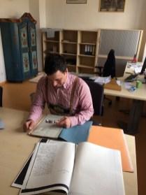 Simon Kalleder_Archivar beim transkribieren2
