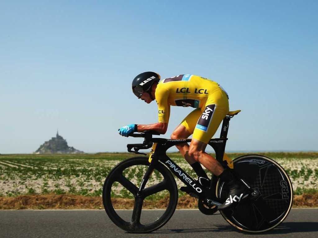 one-stunning-photo-from-every-stage-of-the-tour-de-france