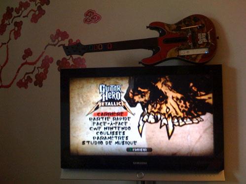 Youhou ! j'ai le le dernier Giutar Hero Metallica !