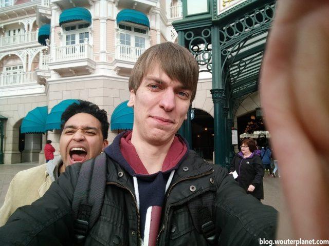 ingang_selfie