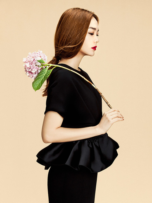 Elle-Vietnam-New-Year-2015-Minh-Hang-by-Zhang-Jingna4