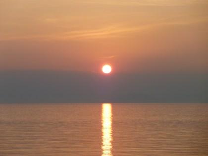 下灘駅付近の車窓から見えた夕日