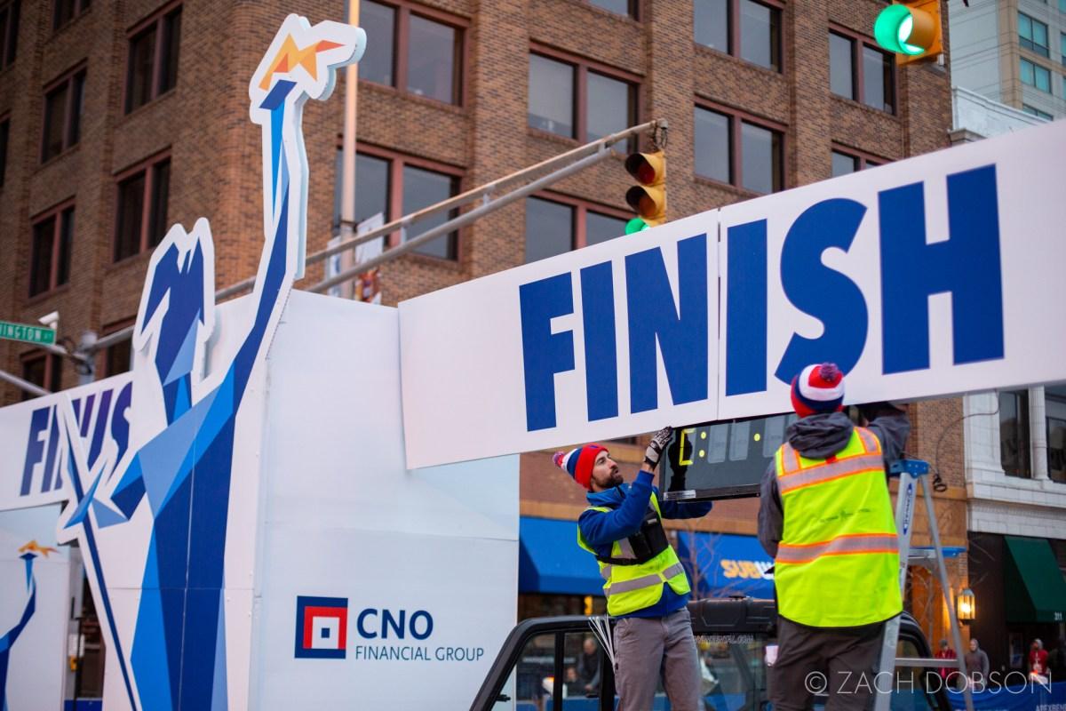 Indianapolis Monumental Marathon, 2019. preparations, finish line