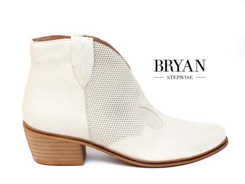 Los botines también son calzado de verano.