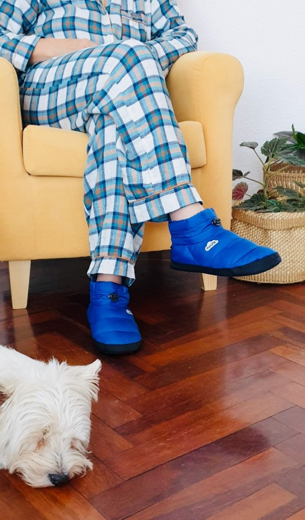 Zapatillas de casa de bota.
