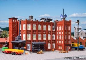 Kibri - Fabrica de material metalico, Escala Z, Ref: 36770.