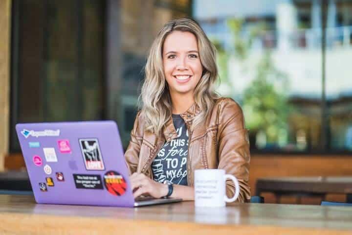Julia McCoy content hacker