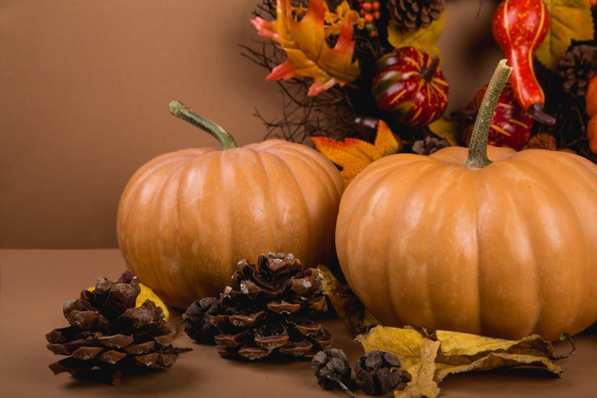 DIY Thanksgiving decorations with pumpkins