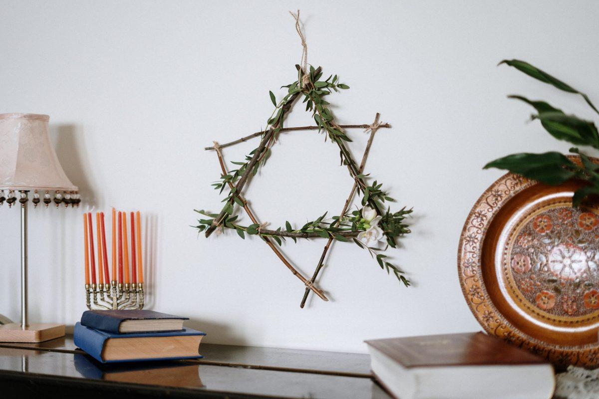 Hanukkah home decoration ideas