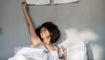 woman-girl-bed-bedroom