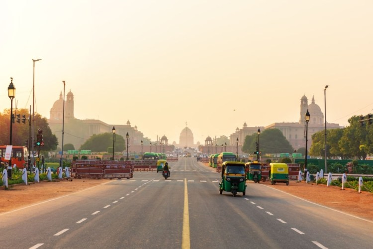 Road leading to the Presidential Residence in New Delhi