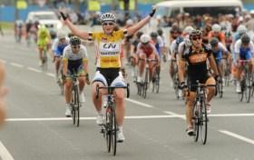 Kirsten Wild Qatarko Itzuliko 4. etapa irabazten