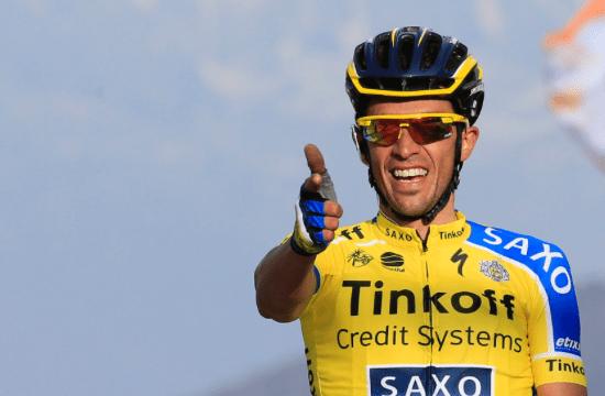 Contador helmugan tiroaren keinua egiten
