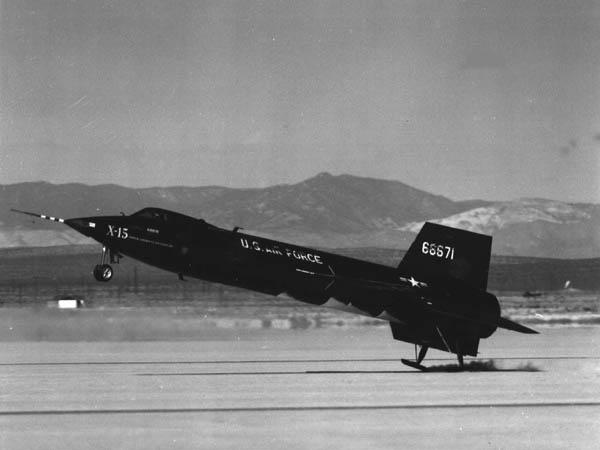 Un X-15 aterrizando