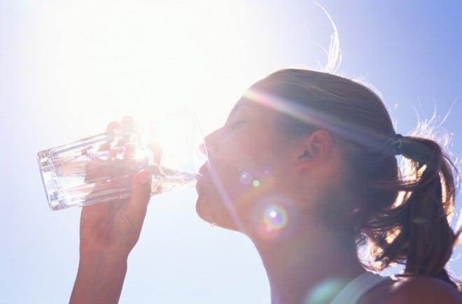Dicas importantes para manter o corpo hidratado diariamente e evitar uma serie de problemas de saude
