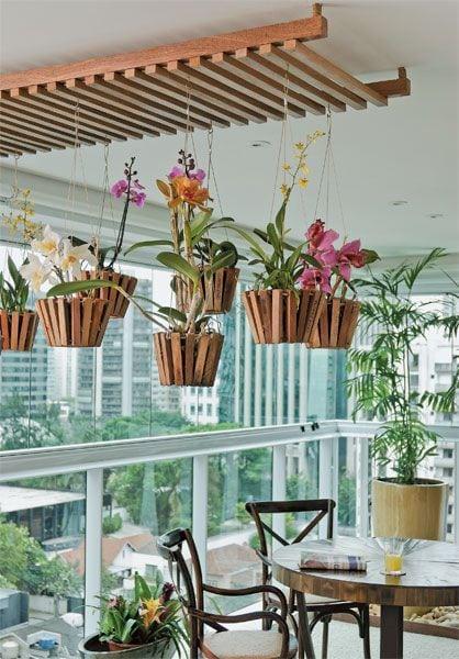 decoracao com flores na varanda