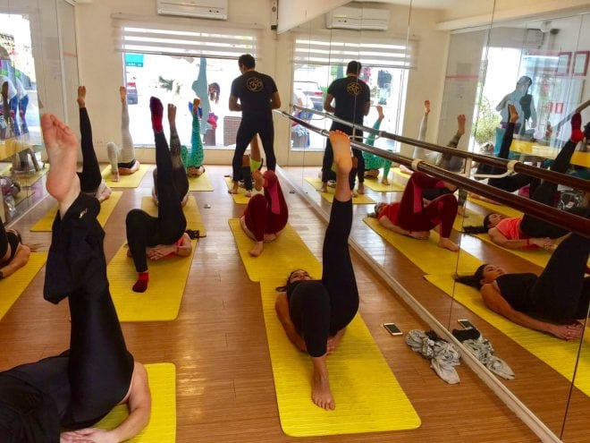 Aula especial de superioga, ballet fitnes e worcaut para mostrar o que vai rolar no cruzeiro fitness e de bem-estar em 2017.