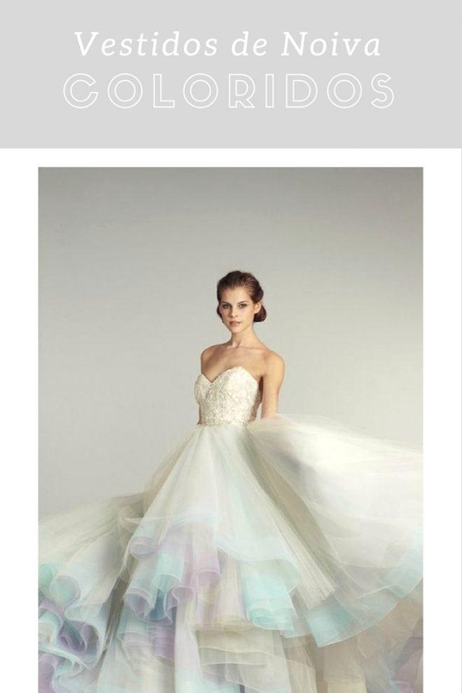 Inspiração de vestidos de noiva coloridos