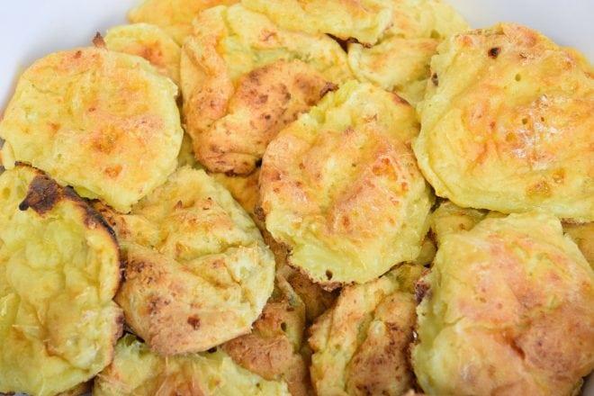 Receita saudável de pão de queijo fitness ou fake com batata doce e queijo cottage