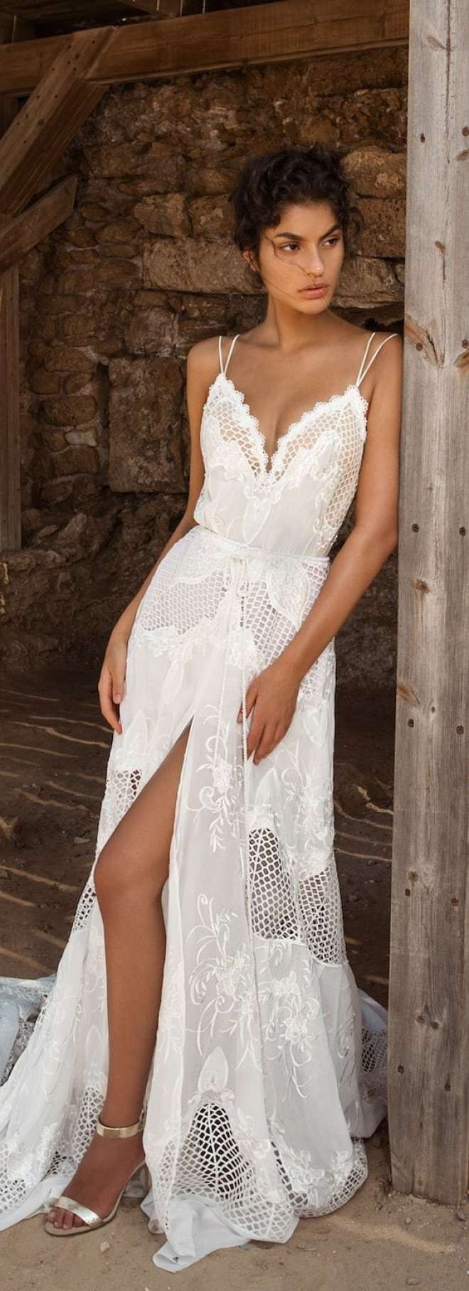 Inspirações de vestidos de noiva para casamento na praia