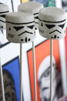 How To Make A Stormtrooper Marshmallow   CatchMyParty.com