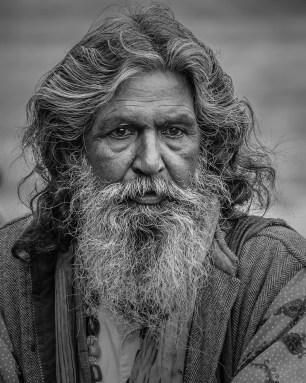 Histoire du poil Gérard - homme barbu