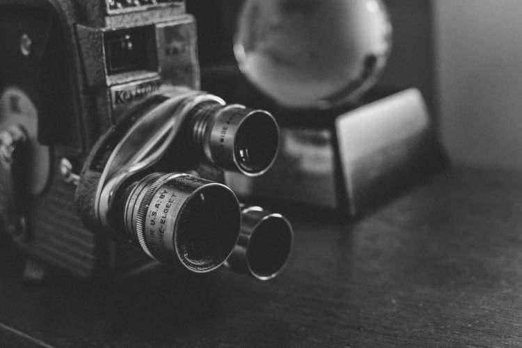 caméra noir et blanc