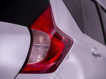 Nissan-Note_2013-2014