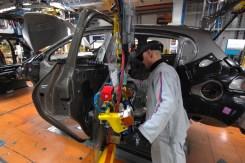 Peugeot 208 _ Montage (6)