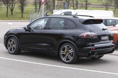 Porsche Cayenne 2014 Spyshot (1)