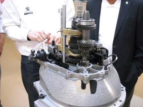 moteur 208 Hybrid FE (9)