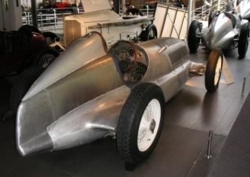 Silberpfeil-W25_1934_Rueckansicht