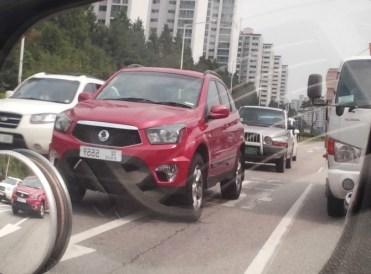 2014-Ssangyong-Actyon-front