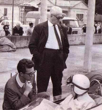 Enzo Ferrari , Mauro Forghieri et John Surtess